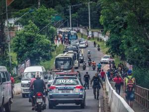 Moradores bloqueiam Ponte de Outeiro em protesto