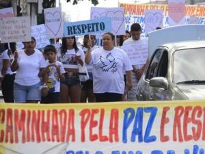 População se mobiliza e pede paz