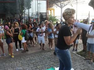 Mulheres negras marcham contra a violência