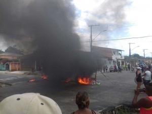 Moradores protestam em Mosqueiro