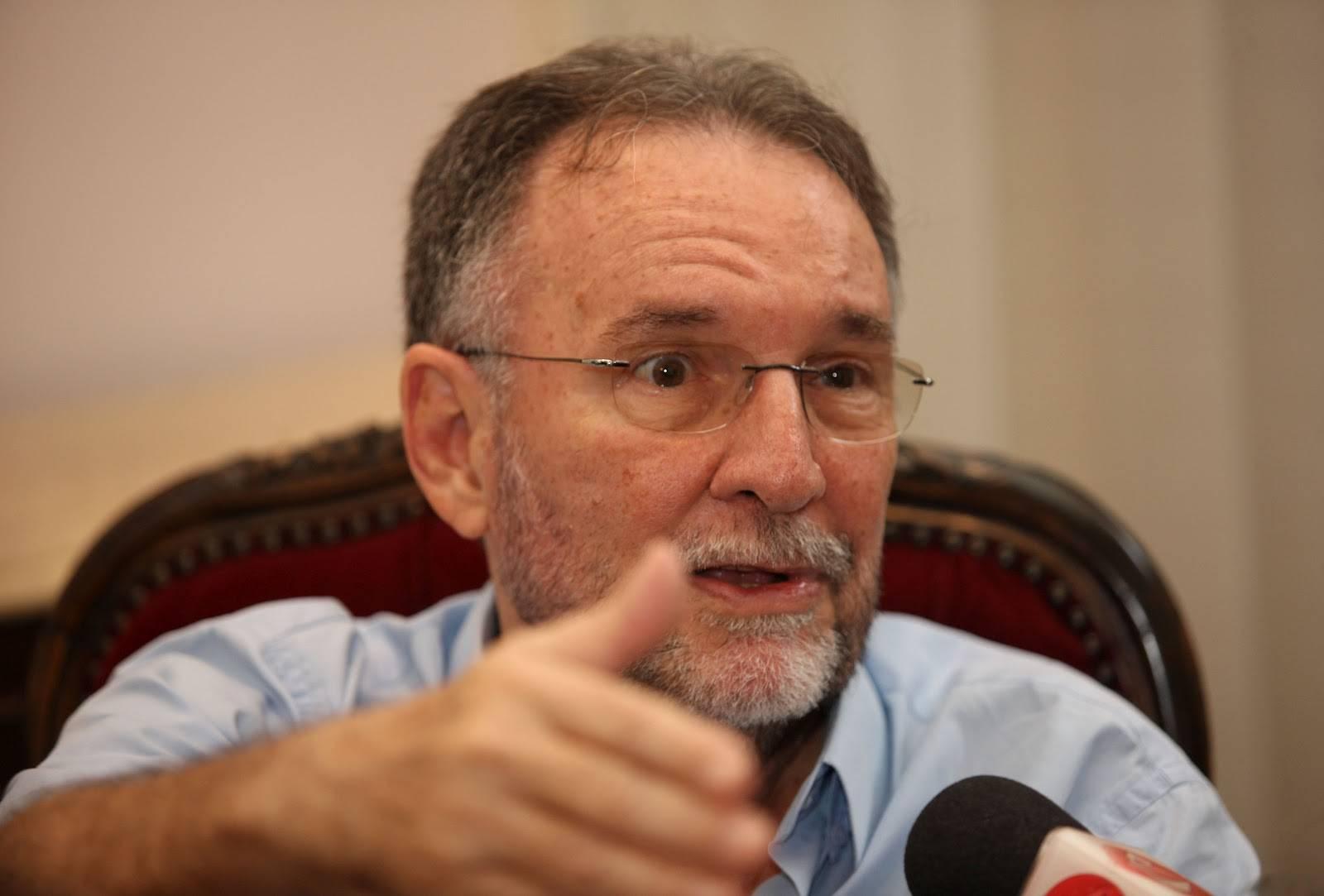 Gravações mostram Paulo Chaves interferindo na fiscalização, quando era secretário de Cultura