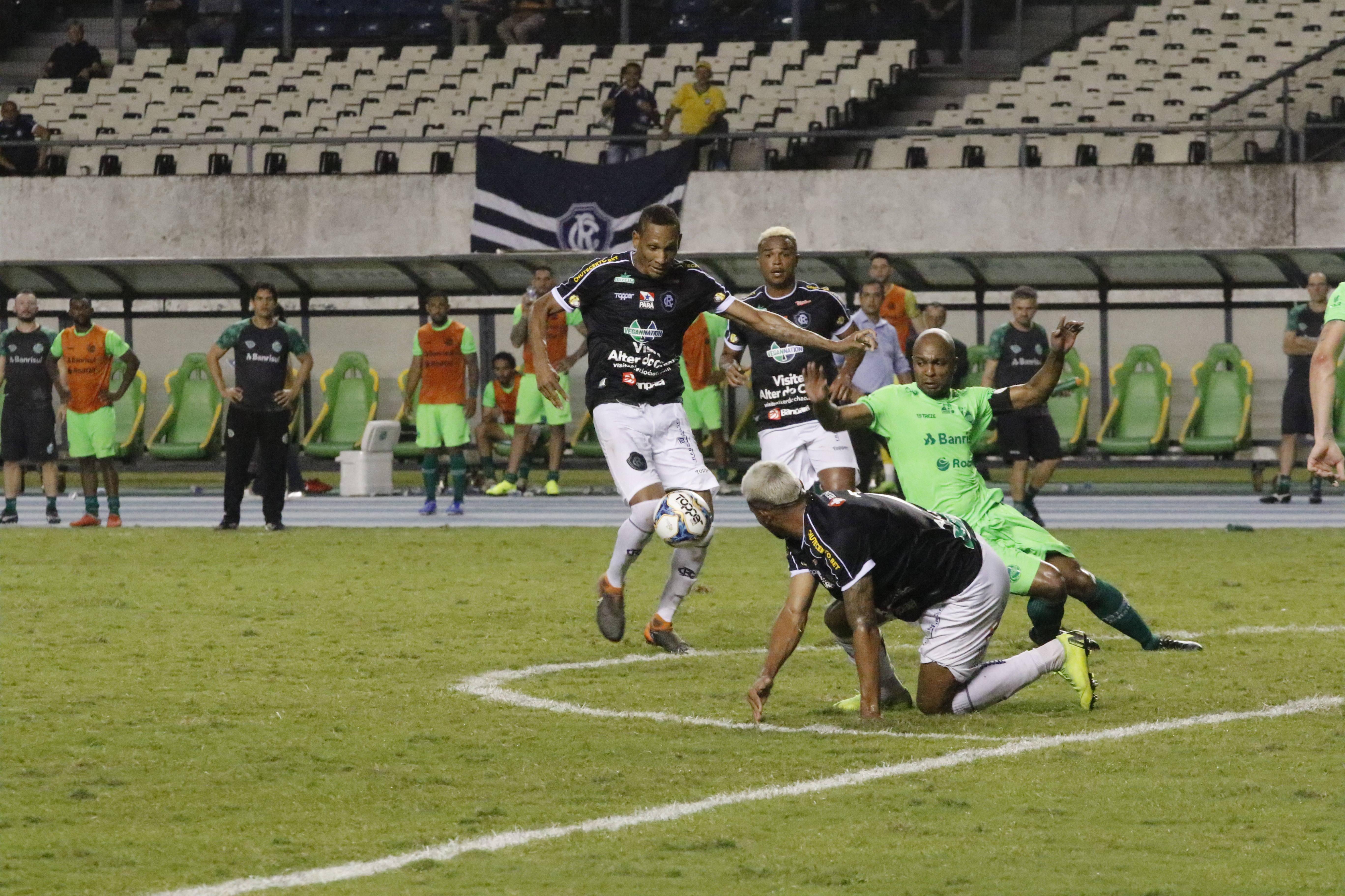 Empate com o líder foi visto como um resultado normal para o técnico Márcio Fernandes