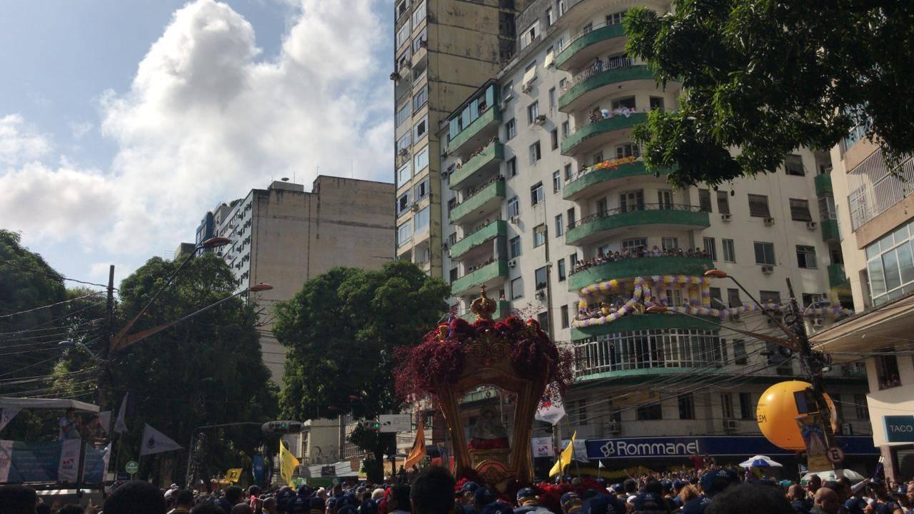 Berlinda segue na Avenida Presidente Vargas.
