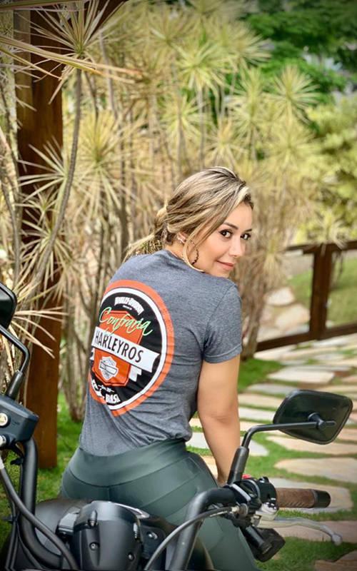 Integrantes do The Litas, grupo norte-americano de mulheres amantes da Harley Davidson, homenageia a confraria paraense.