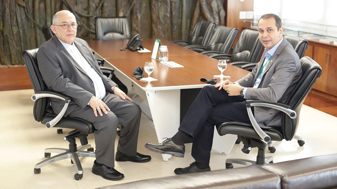 Arcebispo de Belém com o presidente do Banco da Amazônia