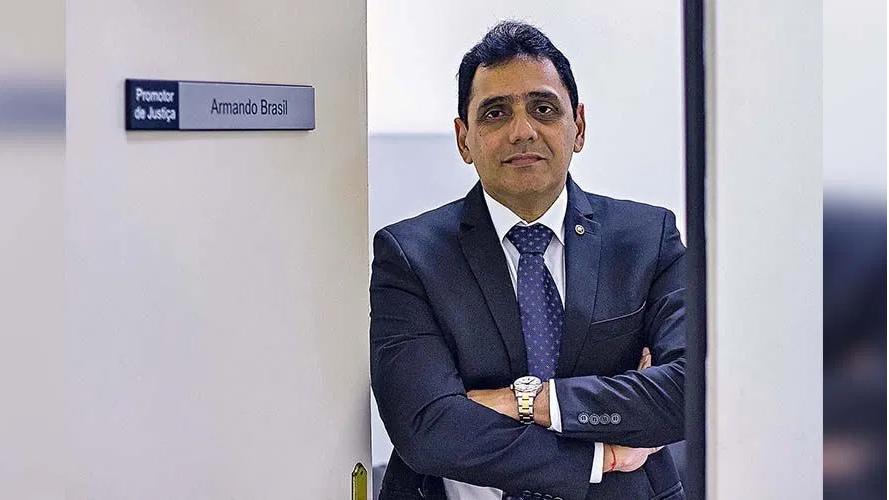 Armando Brasil, Promotor de Justiça Militar