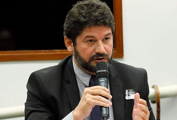 José Maria Vieira, vice-presidente da Comissão de Direitos Humanos da OAB (Ordem dos Advogados do Brasil) e da executiva nacional da Associação Brasileira de Juristas pela Democracia.