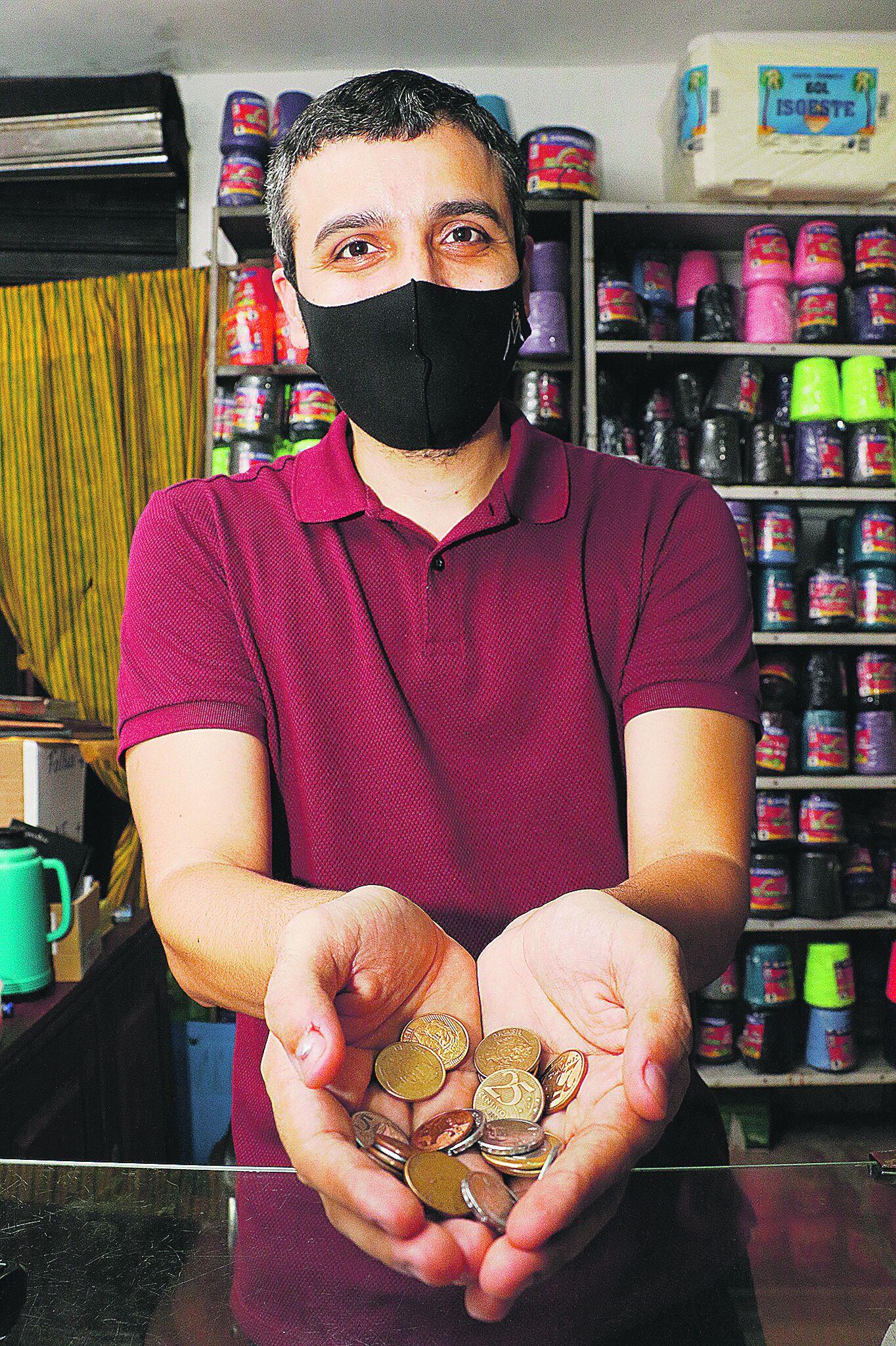 Vinícius Leite relata a dificuldade que enfrenta no dia a dia quando precisa dar troco para algum cliente