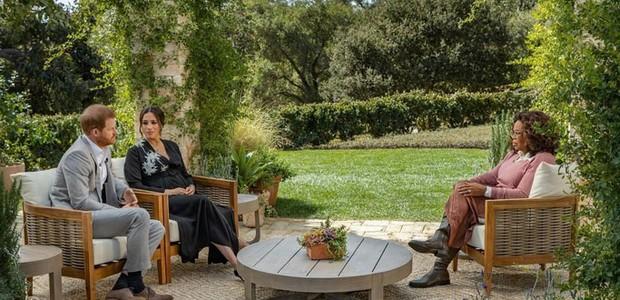 A entrevista foi conduzida pela apresentadora Oprah  Winfrey.