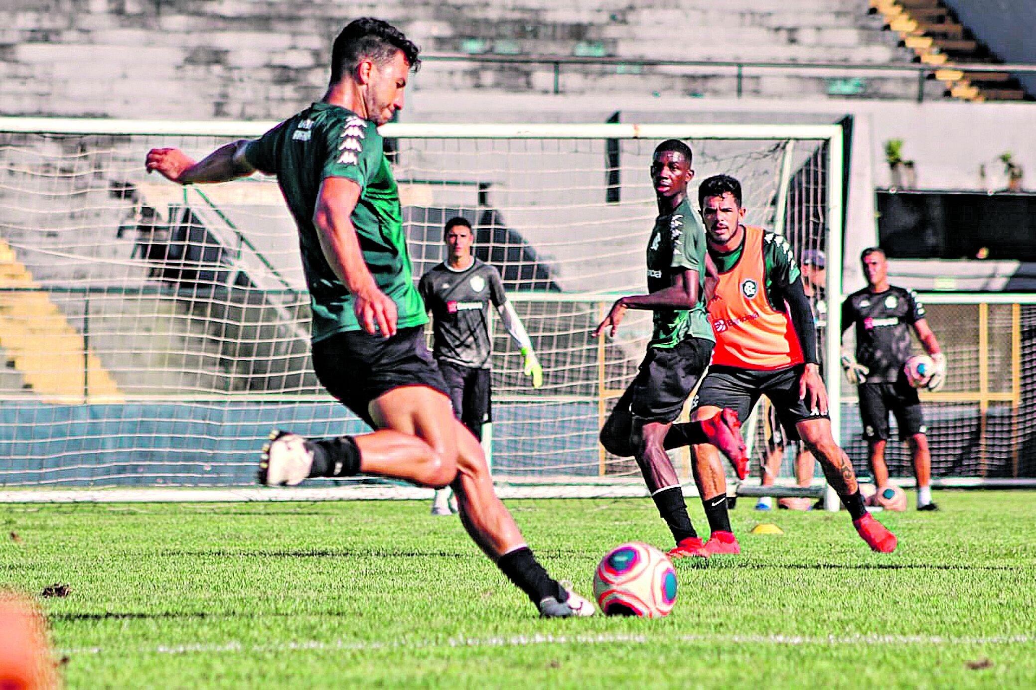 Leão Azul vai tentar mais uma vitória no estádio bicolor, como a obtida em 2002