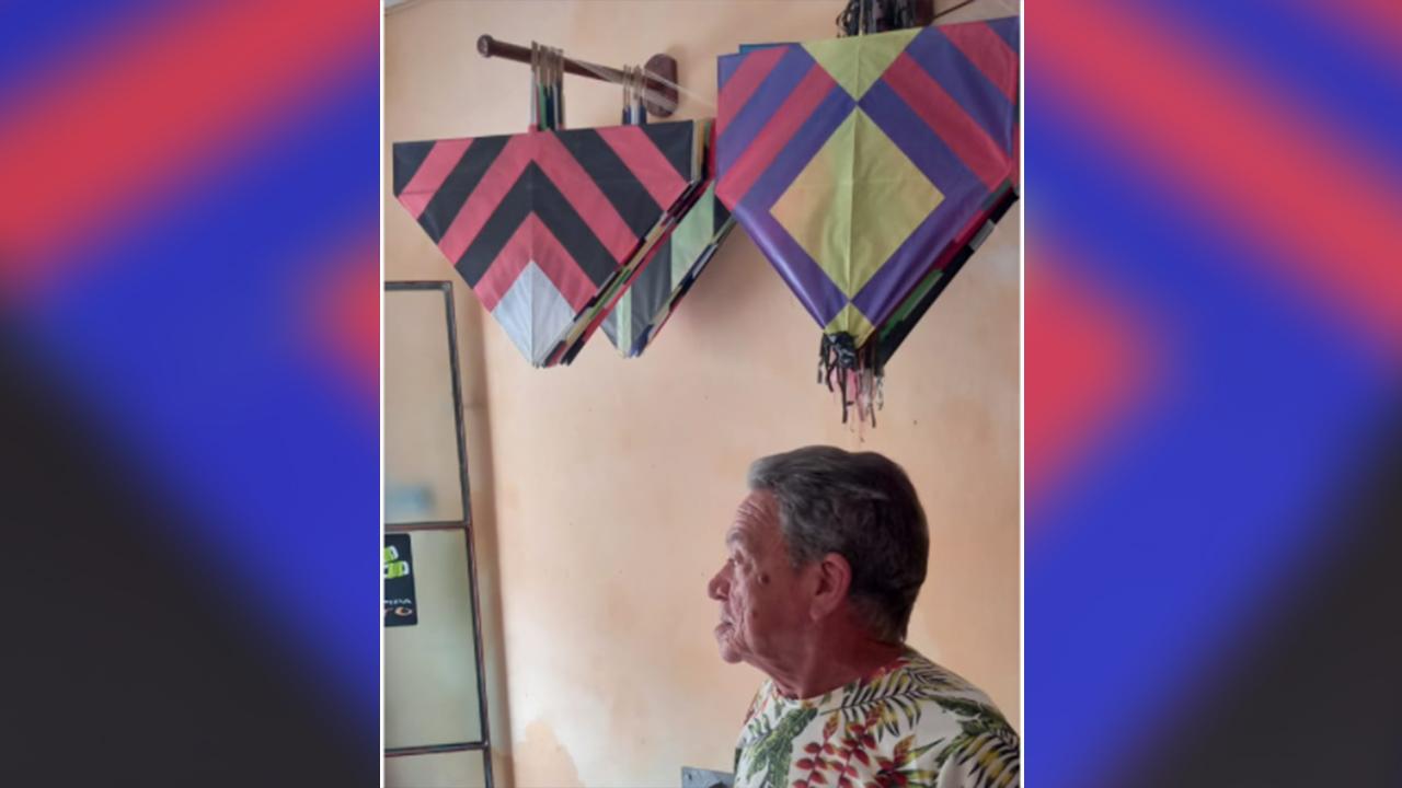 Cobra marcou gerações com seu trabalho. Hoje ele está aposentado, mas sempre próximo aos papagaios e rabiolas.