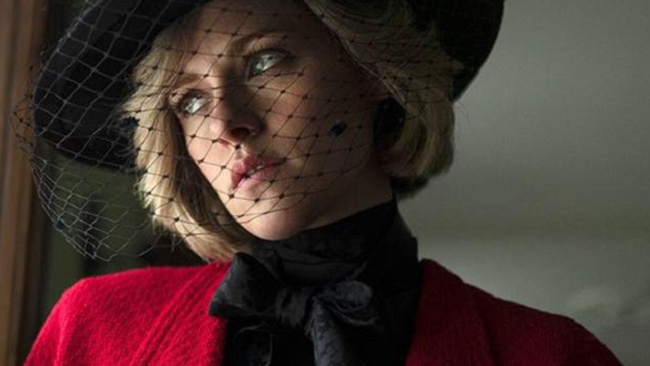 Primeira foto caracterizada da atriz divulgada semanas atrás.