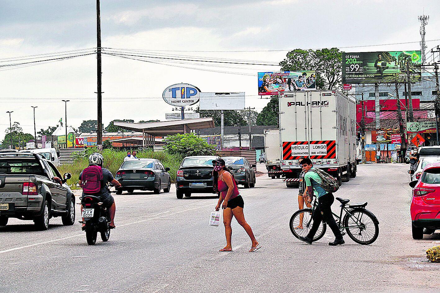 O fluxo de pessoas é mais intenso devido ao comércio local
