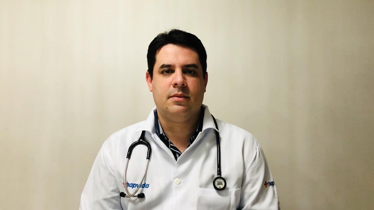 Dr. Maurício Cavalcante