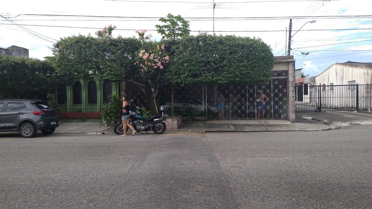 Segundo a família do bombeiro, a moto do militar foi deixada na avenida Tavares Bastos por um homem desconhecido