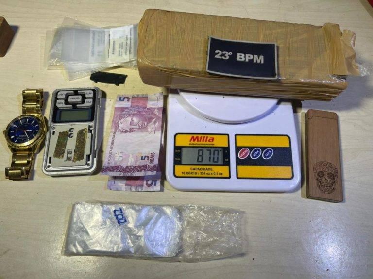 Drogas encontradas com o traficante