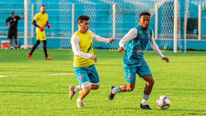 Jhonnatan deve ganhar vaga na equipe titular no duelo contra os paraibanos.