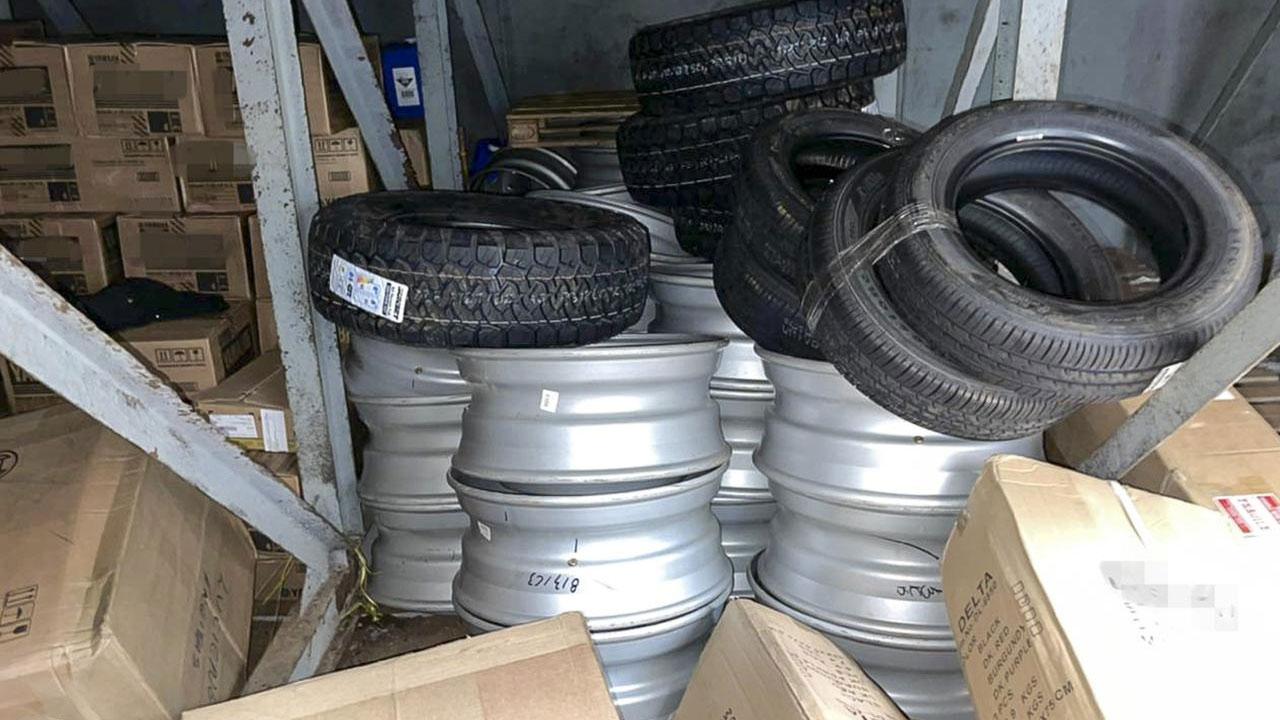 Diversos produtos importados sem nota fiscal foram encontrados