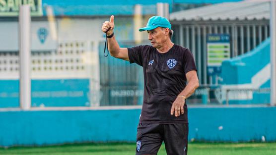 Fiel Bicolor está na bronca com o treinador.