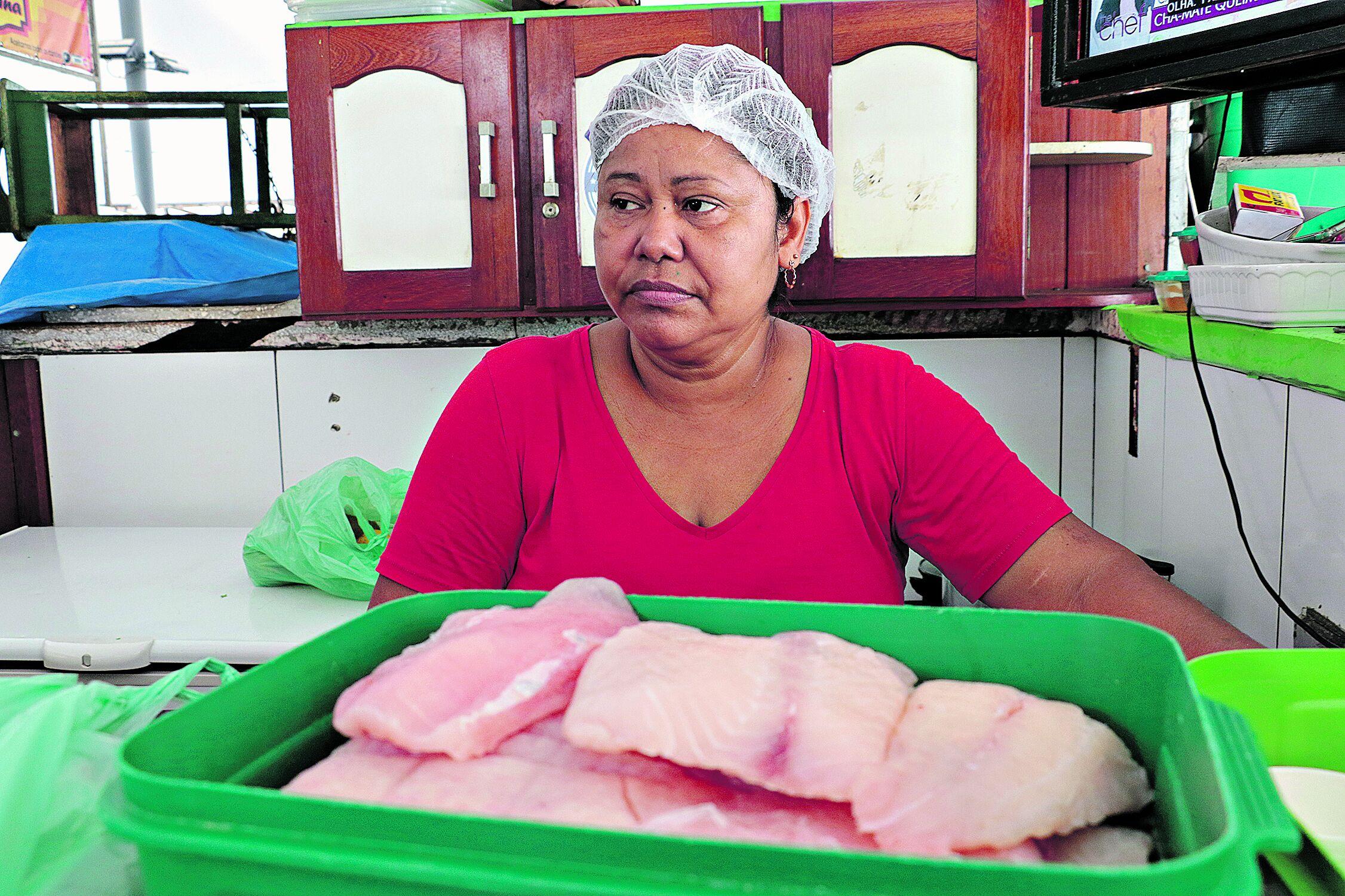Fátima diz que as vendas na feira do Ver-o-Peso só melhoraram na semana do Círio