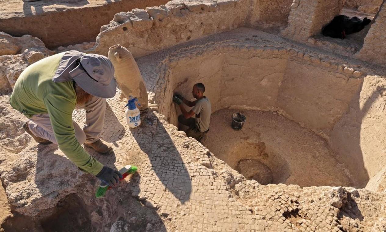 Escavações em Yavne, cidade no sul de Israel