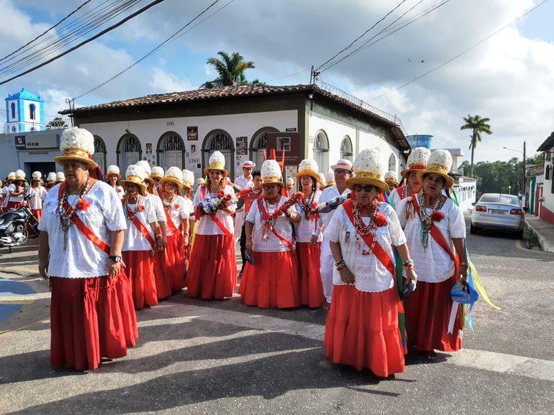 Imagens: São Benedito é homenageado com a Marujada