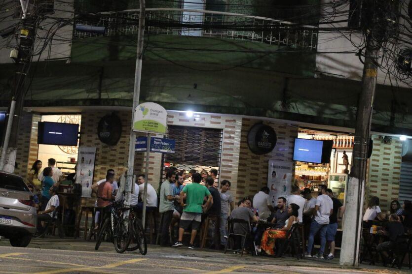 A movimentação nos bares de Belém após decreto que liberou funcionamento