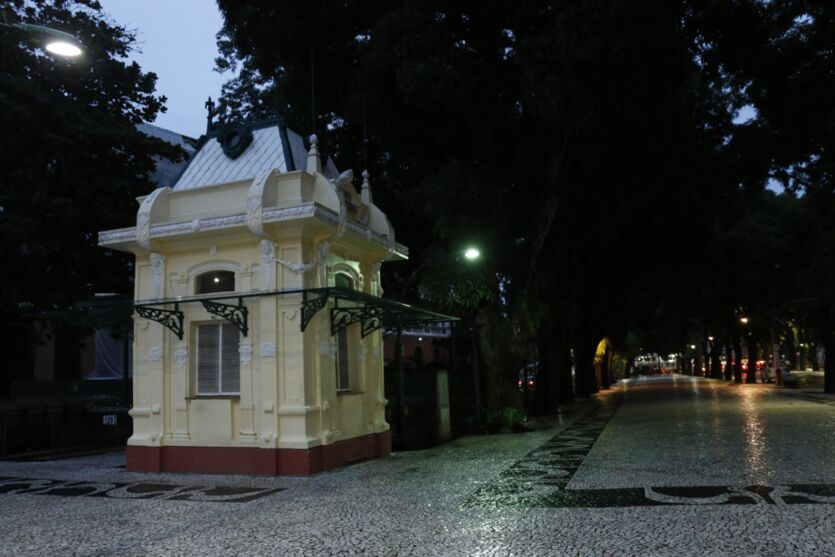 Veja imagens da primeira noite do toque de recolher em Belém