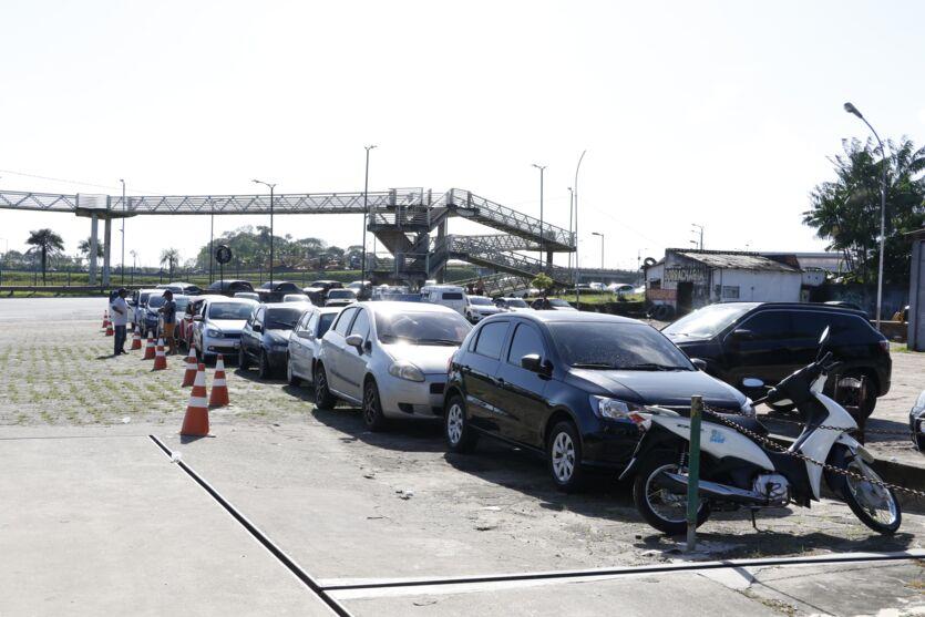 Veja as fotos: preço de gasolina atrai motoristas em Belém