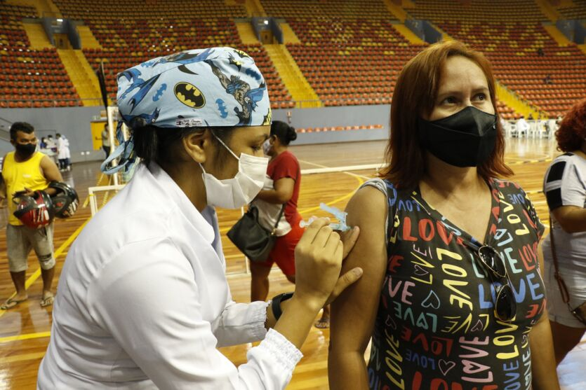 Veja imagens da vacinação neste sábado (19) em Belém