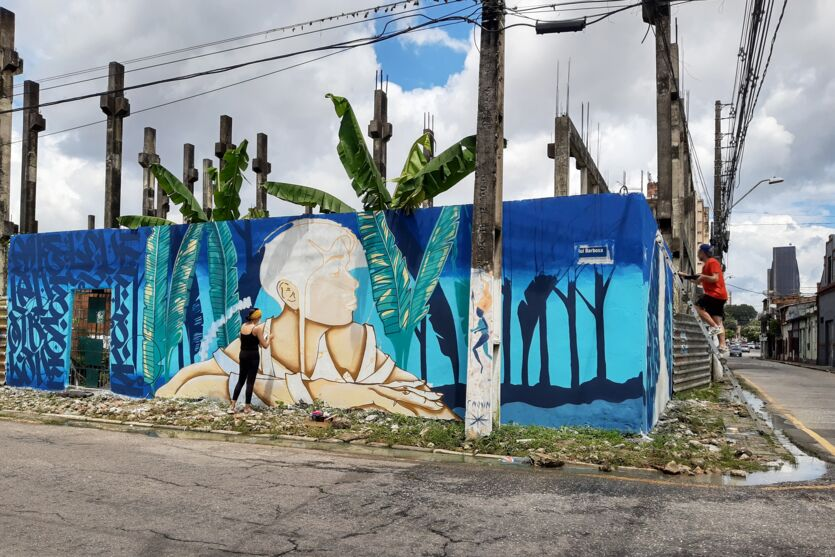 Drika Chagas leva arte para o bairro do Reduto