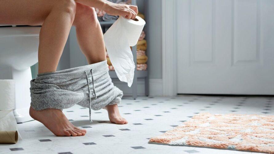 A partir de certa idade as visitas ao banheiro começam a ser mais frequentes. Dos 70 anos em diante, é comum urinar até duas vezes por noite.