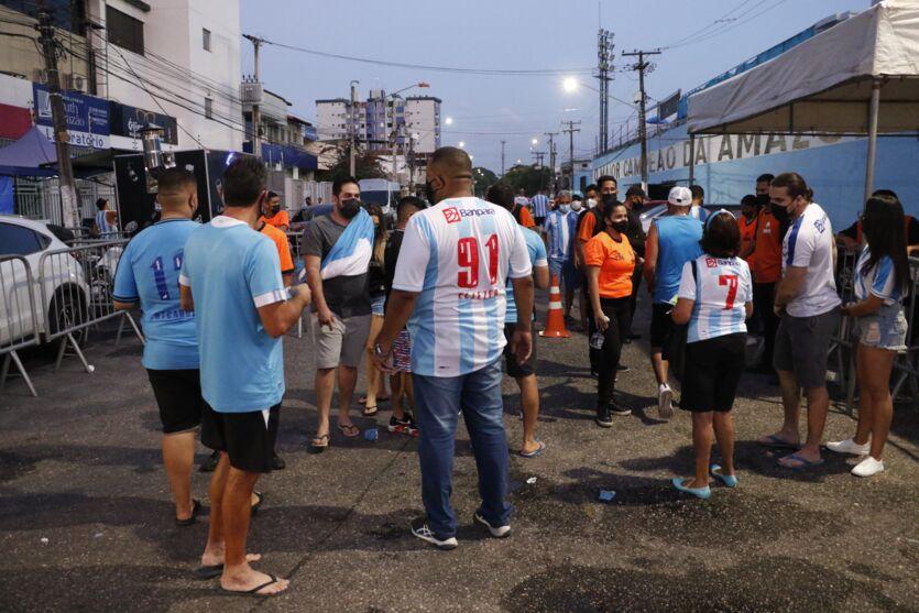 Veja as fotos do retorno da torcida do Paysandu ao estádio