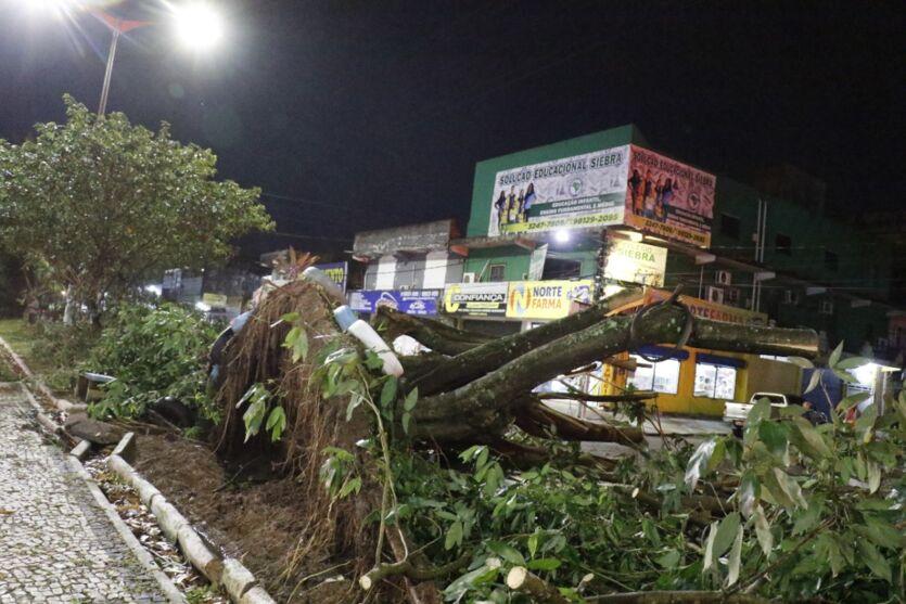 Imagens dos estragos deixado pelo temporal em Ananindeua