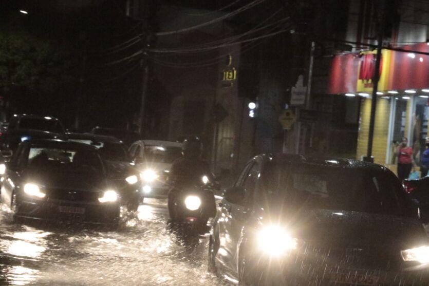 Fotos: Belém tem pontos de alagamentos com forte chuva